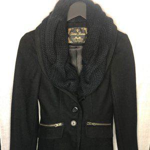 GUESS black peacoat w gold zipper & scarf detail